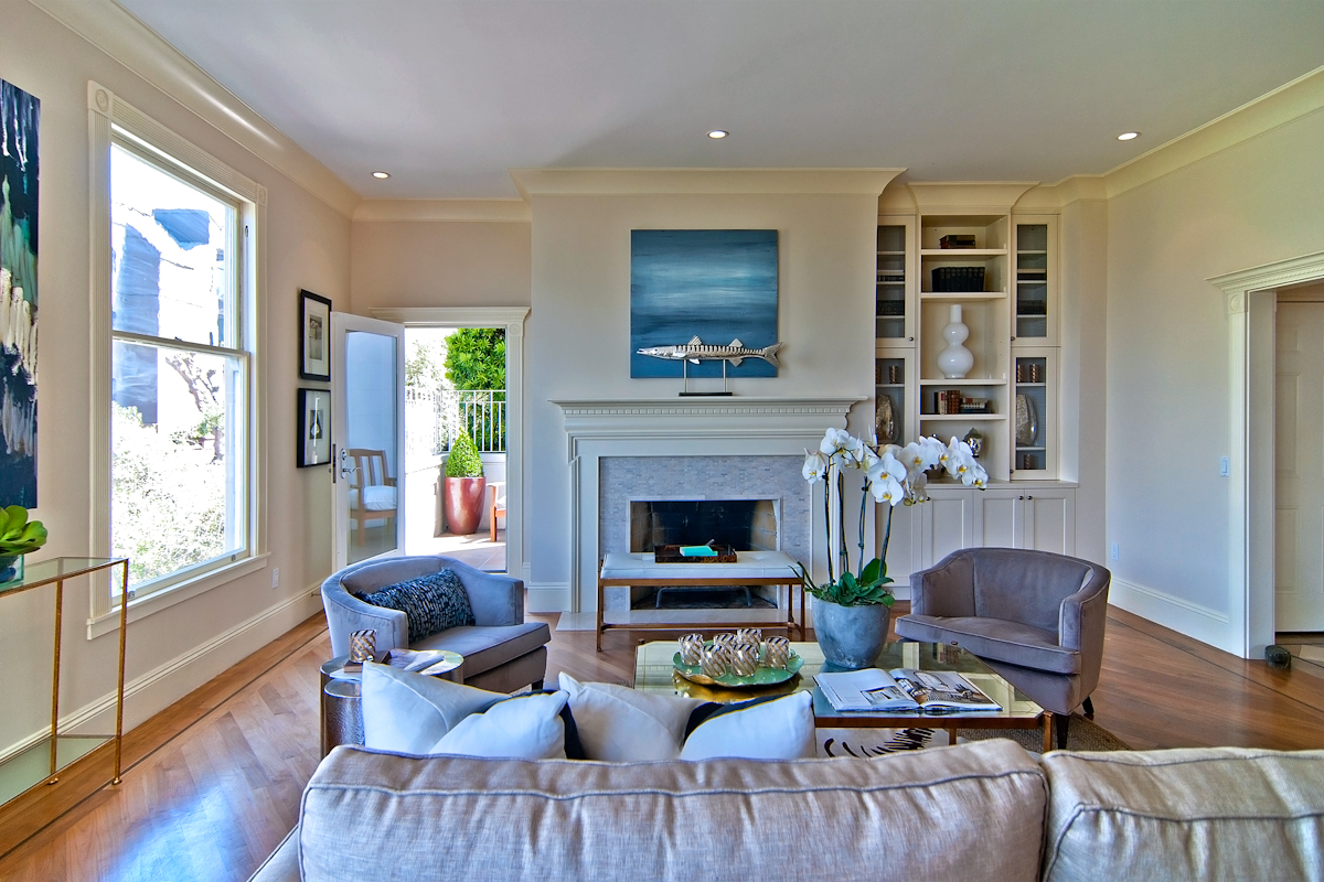 CLASSIC, RENOVATED, HOUSE-LIKE CONDO - BAY VIEWS